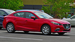 2014 Mazda 3 (mlokren) Tags: 2019 car spotting photo photography photos pic picture pics pictures pacific northwest pnw pacnw oregon usa vehicle vehicles vehicular automobile automobiles automotive transportation outdoor outdoors 2014 mazda 3 mazda3 red sedan