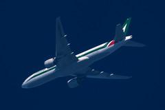 Boeing B777-200 - Alitalia (zpaksi) Tags: boeing alitalia contrailspotting fiumicino narita