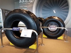 plane tires... b787 in front, b777 middle and the b737 in the back (samayoukodomo) Tags: 777 787 737 boeing777 boeing787 boeing737