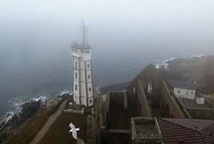 Pointe Saint-Mathieu (Le Conquet) (Sokleine) Tags: phare faro lighthouse lichtturm brume misty rainy pointesaintmathieu leconquet 29 finistère bretagne brittany breiz france frenchheritage abbey abbaye