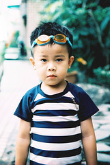 泳裝男孩 (奈勒斯 / LINUS) Tags: nikon f100 film filmcamera portrait kid child boy son swimsuit swimming