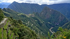 Discovering Machu Picchu site (Chemose) Tags: sony ilce7m2 alpha7ii mai may pérou peru incatrail chemindelinca caminoinca inca intipunku machupicchu portedusoleil sungate path chemin paysage landscape montagne andes mountain hdr rivière rio river urumba