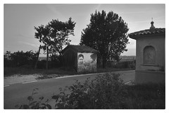 Murales (Mi-Fo-to) Tags: murales capitello san pietro barbozza children land art bambini due two campagna countryside unesco heritage valdobbiadene hills rurale blackwhite bianconero giochi games artwork