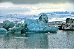 GREATING FROM ICELAND (ADRIANO ART FOR PASSION) Tags: ghiaccio ice iceberg islanda iceland lagunaglacialedijokulsarlon jokulsarlon nikon nikond7200 leone lionsleeptonight 75mm obiettivo18200