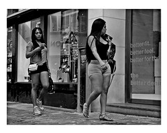 you better you bet (japanese forms) Tags: ©japaneseforms2019 ボケ ボケ味 モノクロ 日本フォーム 自転車 黒と白 43 bw blackwhite blackandwhite blancoynegro bokeh candid guess monochrome random schwarzweis strasenfotografie straatfotografie streetphotography thewho vlaanderen youbetteryoubet zwartwit