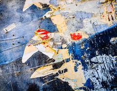 DecayBirds.jpg (Klaus Ressmann) Tags: klaus ressmann omd em1 abstract fbordeaux spring wall decay design flcstrart streetart klausressmann omdem1