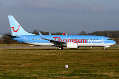 g-fdzj b738 egkk (Terry Wade Aviation Photography) Tags: b738 egkk tom