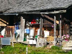 St. Stephan – Rüwilspass: Alp Hinderusi (Martinus VI) Tags: st de bern stephan berne berner canton berna saanenland kanton obersimmental schweiz switzerland suisse suiza swiss hillside svizzera vi bernese martinus martinus6 martinus6xy keymahi0066 y190818