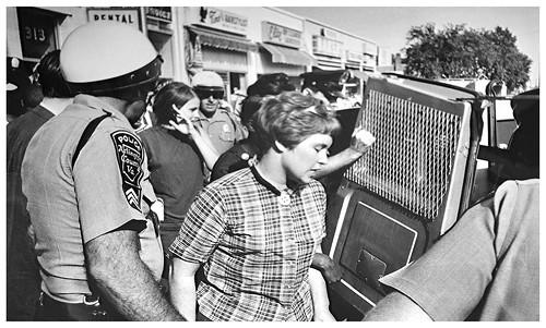 Police arrest rights demonstrators in Arlington: 1966