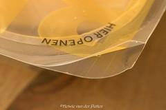 Open here (Hetwie) Tags: kaasverpakking macromondays macromaandag gesloten closed macro
