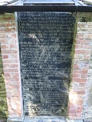 Photo of Saunders family memorial
