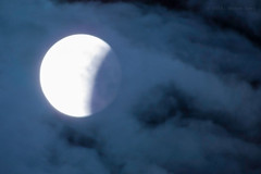 When the right time comes (Levi c24) Tags: moon selenophile moonlove sky night silence condition clouds eclipse red redmoon astronomy blue longangleview telefoto supertelefoto before