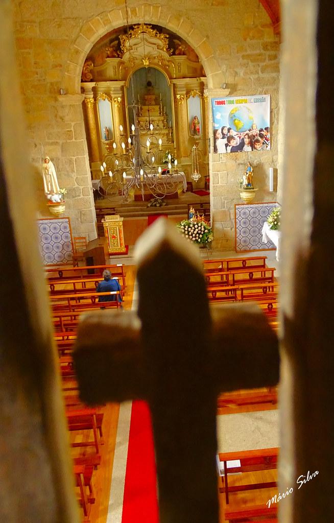 Águas Frias (Chaves) - ... vista do interior da igreja desde o coro ...