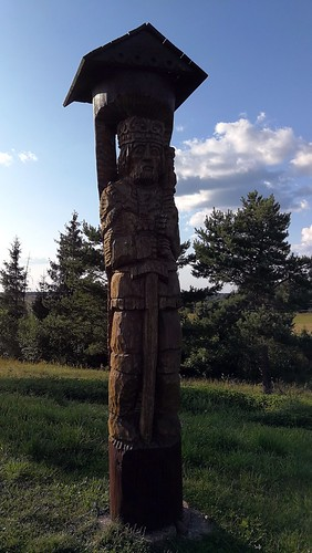King Mindaugas's totem pole on top of Juozapinė Hill
