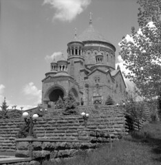 Armenia 2019 (Mityay Menshoy) Tags: armenia church stone land rolleicord film bw 66 6x6 400 abovyan 120