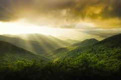 Magic on the Mountains (Anne Strickland) Tags: blueridgeparkway ashevillenorthcarolina northcarolina nikond850 craggygardens sunrays