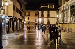 El Fontán, Oviedo (ccc.39) Tags: asturias oviedo elfontán callefierro noche calle ciudad nocturna gente street city urban night