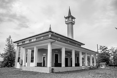 Mosque #2 (anlgngr7) Tags: canon eos 77d 18135mm is usm nano lens mosque cami bw blackwhite siyahbeyaz architectural architecture mescit
