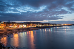 Bray - DSC_0315 (John Hickey - fotosbyjohnh) Tags: 2019 august2019 bray cowicklow ireland nightscene nighttime streetlights seaside seascape seashore seafront coast reflections clouds