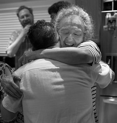 Reunited (peter.a.klein (Boulanger-Croissant)) Tags: mother son woman man greeting hug reunion reunited embrace squeeze blackandwhite bw black white blanc noir noiretblanc negro blanco schwarz weiss leica monochrome 35mm summilux