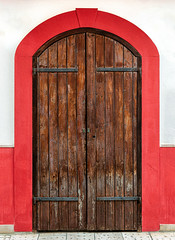 The door of Vieste (Leaning Ladder) Tags: vieste italy italia puglia apulia doors red canon 7d mkii 7dmkii leaningladder