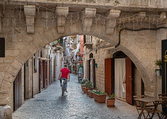 The streets of Bari (Leaning Ladder) Tags: bari italy italia puglia apulia street bicycle arch architecture canon 7d mkii 7dmkii leaningladder