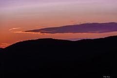 IL TRAMONTO CON LA TAVOLOZZA DEI COLORI   --   THE SUNSET WITH ITS COLOR PALETTE (Ezio Donati is ) Tags: tramonti sunset natura nature nubi clouds colline hills cielo sky colori colors profili profils italia lazio canalemonterano