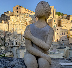 Faceless (Leaning Ladder) Tags: matera italy italia basilicata sassi architecture sculpture leaningladder