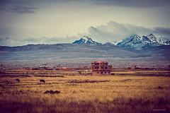 La pequeña casa de la pradera (paris_sousa) Tags: calle el alto la paz bolivia américa