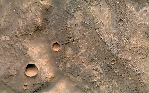 Canyon in Terra Sabaea - CRISM / CTX