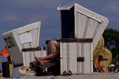 Germany, Rostock (Claudine Daemen) Tags: germany deutschland nienhagen rostock beach summer relax sand cabine sea basket colors balticsea mecklenburgvorpommern strandkörbe rügen travel