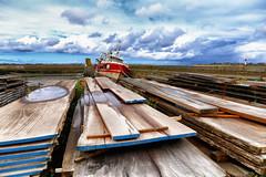 Saint-Vaast-la-Hougue (erichudson78) Tags: france normandie manche saintvaastlahougue bateau boat reflection reflets ciel sky clouds nuages bois wood pier jetée canoneos6d flaquedeau puddle