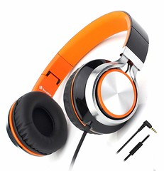Buy headphones online (groveraditi317) Tags: headphones online india price delhi buy earphones store