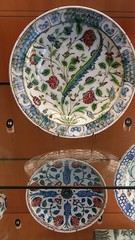 (sftrajan) Tags: islamicceramics islamicart ceramics lyon france muséedesbeauxartsdelyon museumoffineartslyon muséedesbeauxartslyon decorativearts museo ceramique plate artislamique