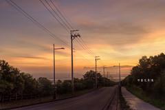 D69_0766_tonemap (brook1979) Tags: 台中 大肚 藍色公路 公路 高地 台地 車道 夕陽 taiwan 台灣 taichung road sunset