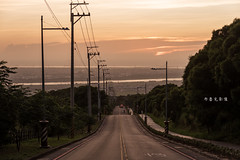 D69_0762 (brook1979) Tags: 台中 大肚 藍色公路 公路 高地 台地 車道 夕陽 taiwan 台灣 taichung road sunset
