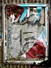 Abriss für Ninja (web.werkraum) Tags: association art abriss abstrakt berlin ks digitalephotographie bildfindung berlinerkünstlerin karinsakrowski deutschland decollage europa expression farbe flickrnova free germany international jetzt lettering nahaufnahme omot original rot red street tagesnotiz typography typo urban vertrautheit verortung webwerkraum wegzeichen zeichen