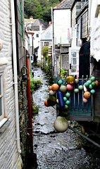 Polperro's Pol (Peter Denton) Tags: polperro cornwall england westcountry fishingvillage europe europa architecture riverpol ©peterdenton canoneos100d history fishingbuoy