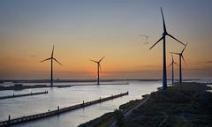Krammer sunrise (Photodoos) Tags: krammer krammersluizen sunrise windturbine water zeeland philipsdam nederland netherlands canonnl