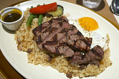 Grilled beef and garlic fried rice / ヒレステーキピラフ 〜ガーリック風味〜 / 神戸洋食キッチン (神戸市中央区) (y-shindoh) Tags: ricoh gr apsc gourmet food