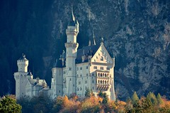 Schloss Neuschwanstein in der Abendsonne (felix.baeuml) Tags: schloss neuschwanstein castle germany alps ostallgäu königsschlösser könig ludwigii king white sun evening