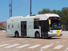 BEL Lijn 5870 ● Brugge (Roderik-D) Tags: vanhool 5870 1lhx087 brugge busstationtzand stadsbus stadtbus citybus