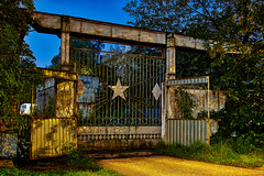 The old gate (Staropramen1969) Tags: gate fence old abandoned ussr dubna portail clôture vieux abandonné urss tor zaun alt verlassen udssr