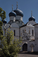 Epiphany Cathedral in Uglich (Lyutik966) Tags: temple church monastery architecture building dome entrance uglich russia religion orthodoxy