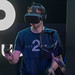 Mann spielt mit der Oculus Rift auf der Gamescom in Köln