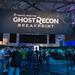 Spielemessebesucher stehen in der Schlange an, um Tom Clancy's Ghost Recon Breakpoint, das taktische Open-World-Spiel von Ubisoft, zu spielen