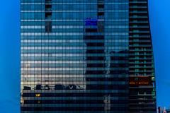 Miami Skyscraper (ruifo) Tags: nikon d850 nikkor afs 24120mm f4g ed vr miami biscayne bay florida fl us usa united states skyscraper skyscrapers skyline city urban night dark low light sunrise sun rise nascer sol mañana manhã morning