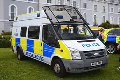WA07 AKP (S11 AUN) Tags: devon cornwall dc police ford transit psu pov public order support unit cell cage station containment response van patrol vehicle irv incident 999 emergency wa07akp