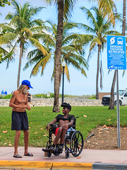 On the fringes of society (mysterious-man) Tags: streetlife menschen | street usa strasse palmen florida miami ocean drive