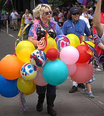 A Balloon Dress (Scott 97006) Tags: costume balloons parade ourfit blonde street